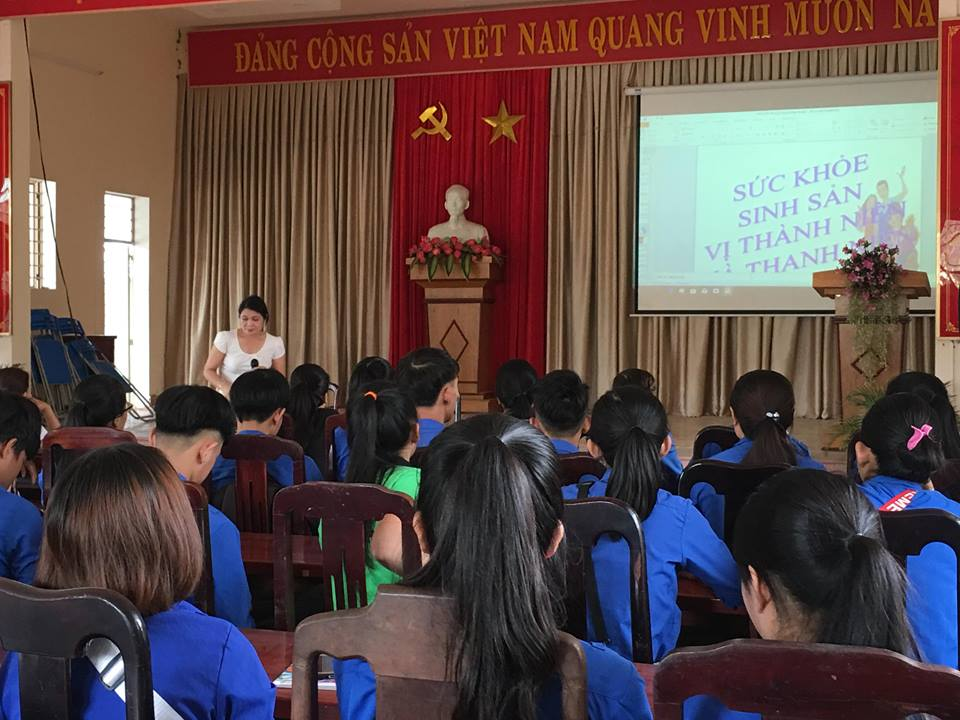 Đoàn xã Hòa Nhơn tổ chức tập huấn tuyên truyền về sức khỏe sinh sản vị thành niên cho đoàn viên thanh niên.
