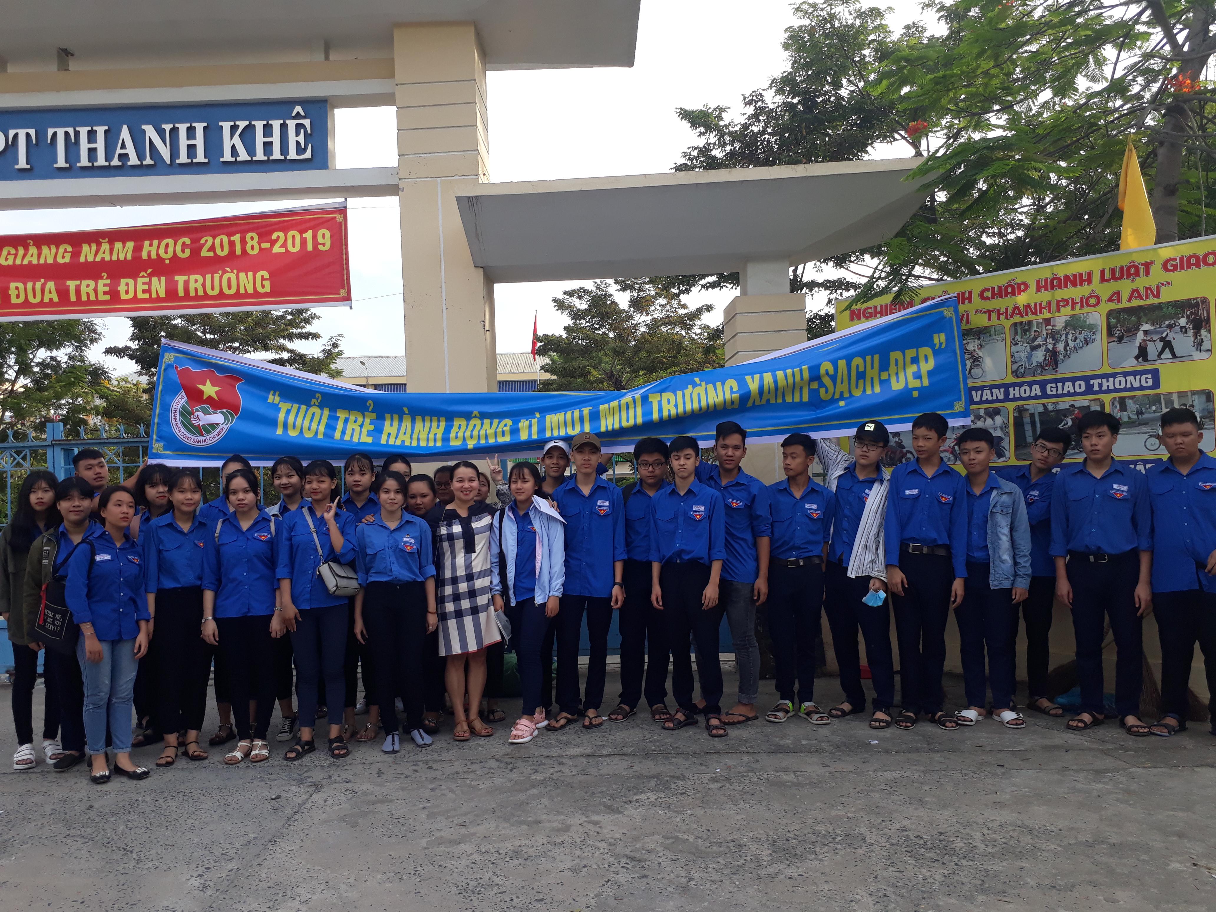 Tuổi trẻ Thanh Khê đồng loạt ra quân xóa quảng cáo rao vặt trên địa bàn quận