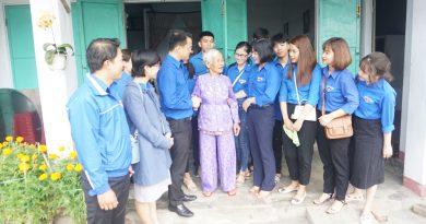 Thành Đoàn Đà Nẵng tổ chức thăm và tặng quà cho các gia đình chính sách trên địa bàn thành phố
