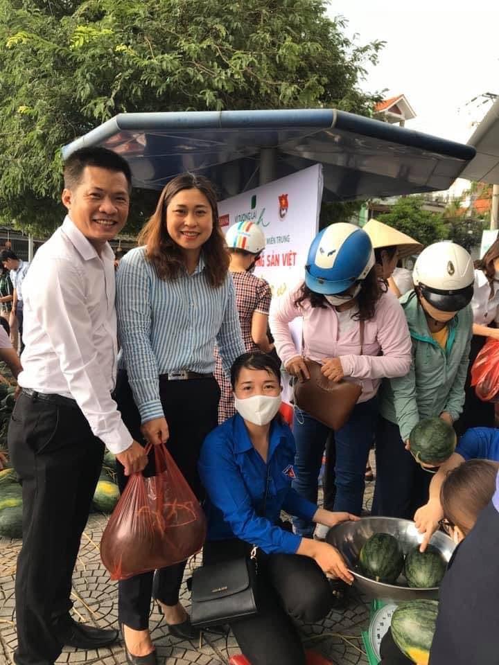 Chung tay giải cứu nông sản Việt