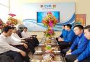 Đồng chí: Nguyễn Văn Quảng – phó Bí thư Thường trực Thành ủy Đà Nẵng thăm hỏi, tặng hoa và chúc mừng sinh nhật Đoàn