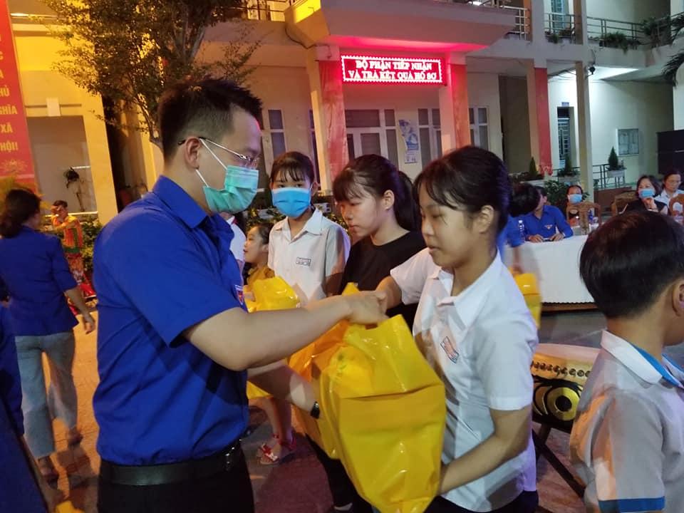 Thành Đoàn, Hội đồng Đội thành phố tổ chức Chương trình Trung thu yêu thương trên địa bàn thành phố Đà Nẵng